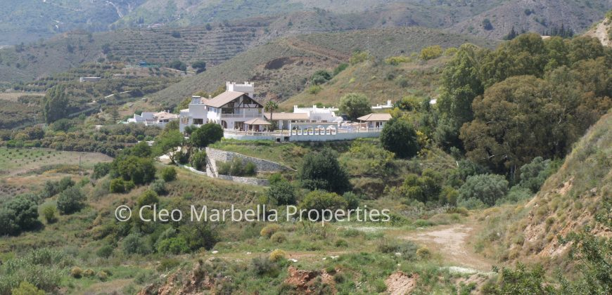 English Fort Rural Hotel with Spanish Flavour