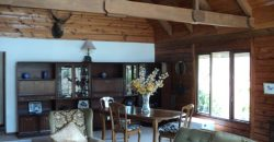 Spacious Lodge – stables – large plot