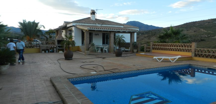 Spanish Style Country Property