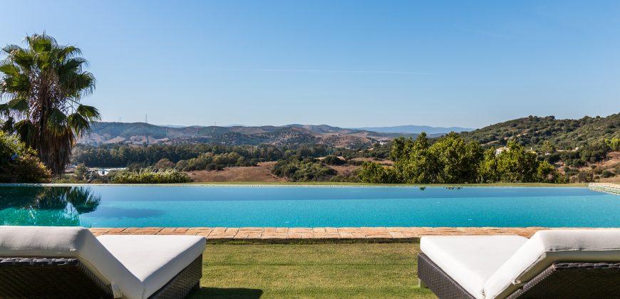 Beautiful Villa stunning setting