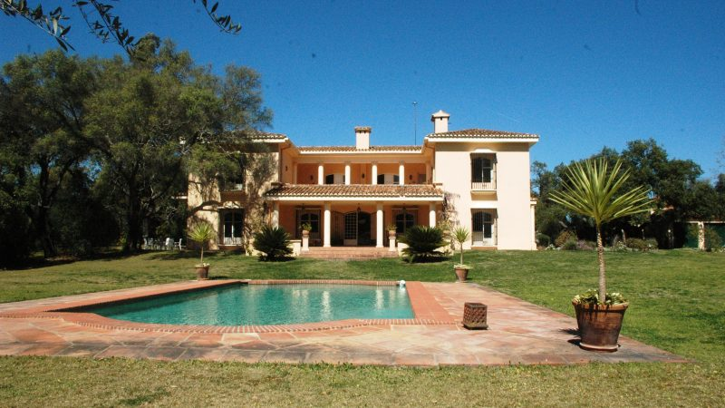SOLD – Country Villa with Stables