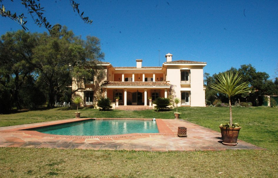 Country Villa with Stables