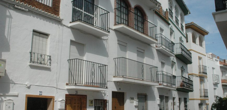 Large Townhouse – Tolox